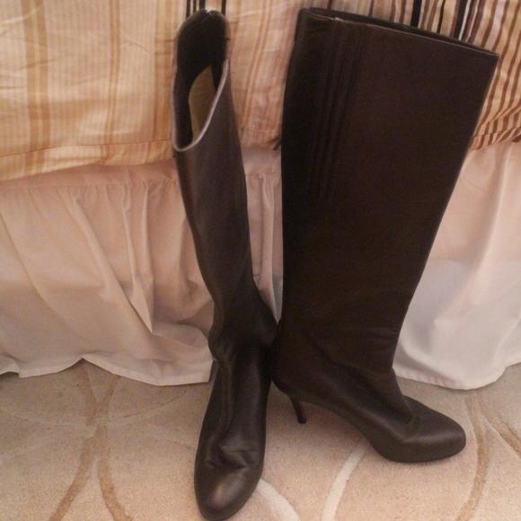reputable site b300c 54c43 Christian Louboutin Brown Tall Boots Fifi Botta Si